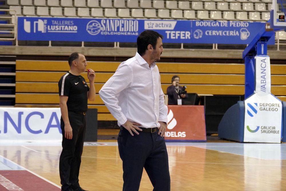 Carlos Cantero, adestrador do Ensino, no último partido / Laura G.