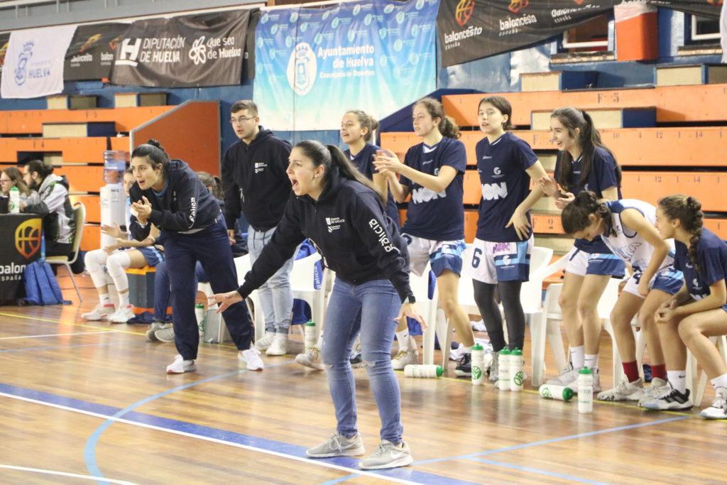As xogadoras galegas de Nacary Rojas intentárono a pesar do desgaste / FEDERACIÓN GALEGA DE BALONCESTO