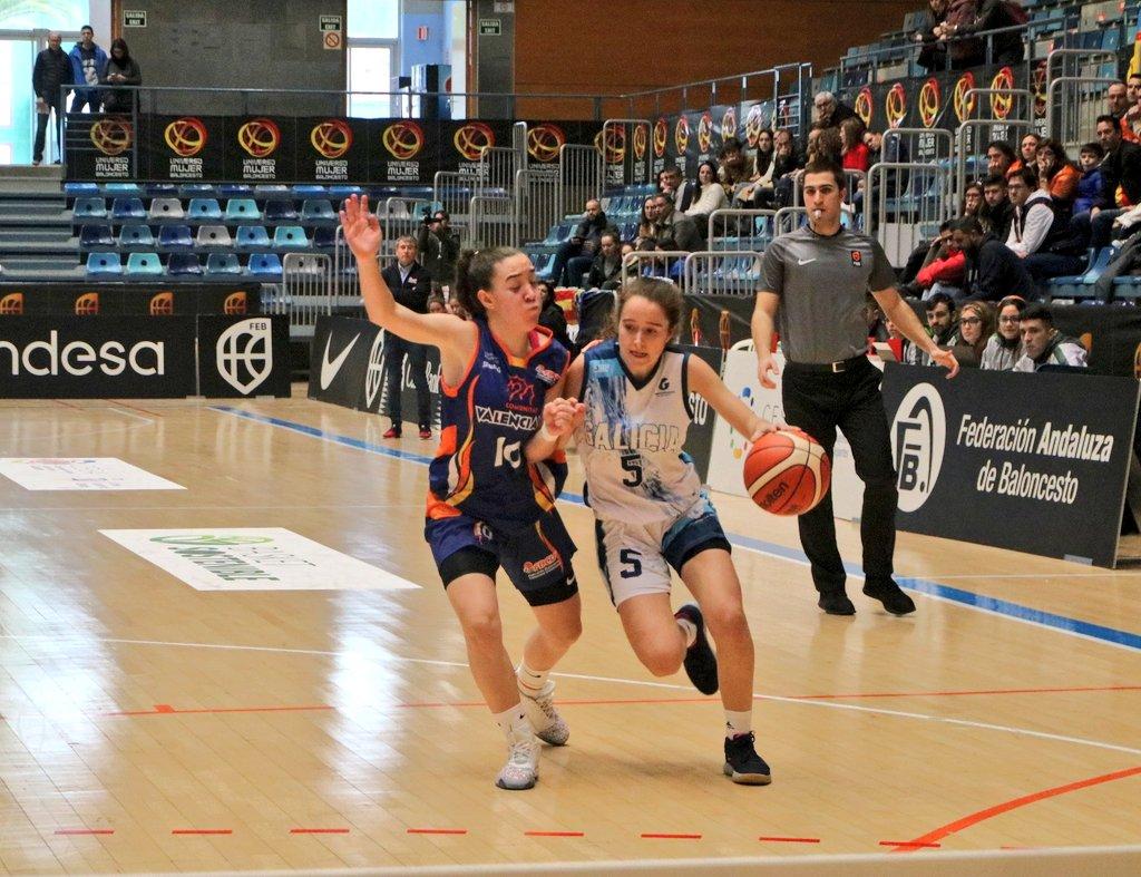 As cadetes perderon no primeiro partido en Huelva contra Valencia / FEDERACIÓN DE BALONCESTO GALEGO