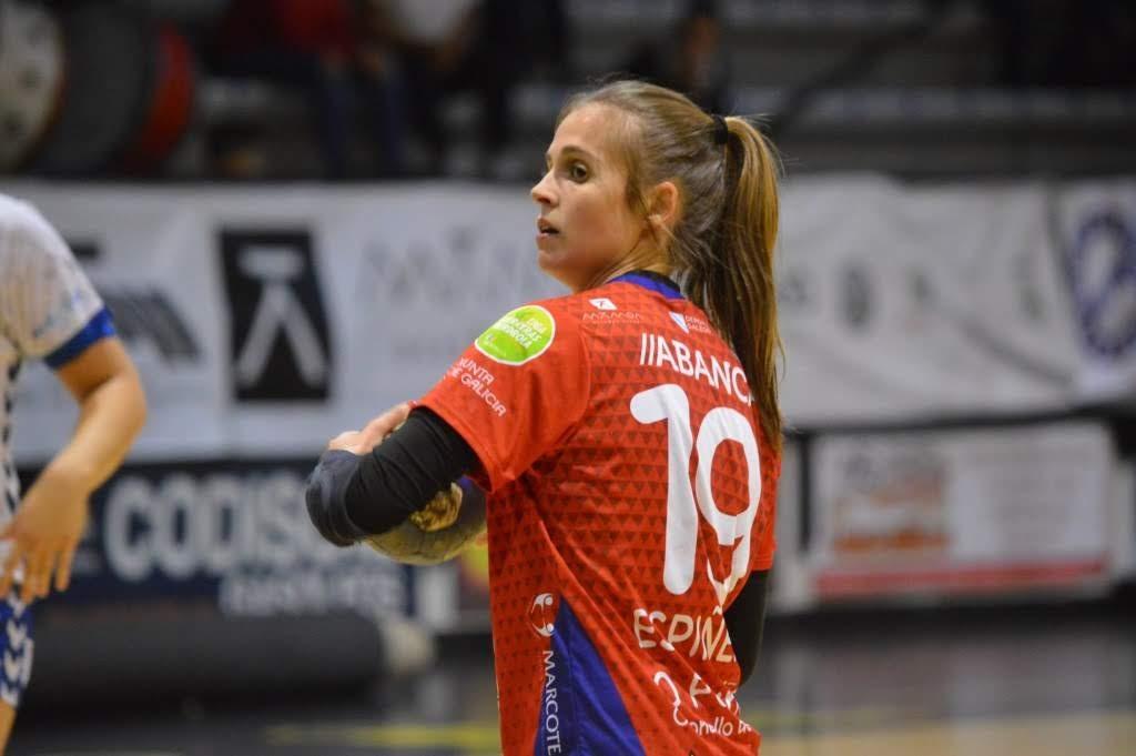 Anthia Espiñeira, xogadora do Conversas Orbe Porriño de Liga Guerreras / BALONMANO PORRINO