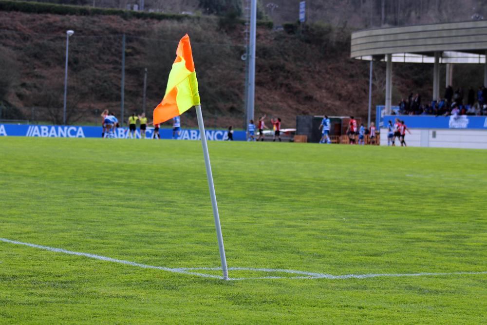 Banderín de córner fútbol / SABELA MOSCOSO