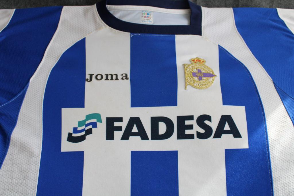 Camiseta do Dépor da tempada 2004-05 / PATRI CAMPOS