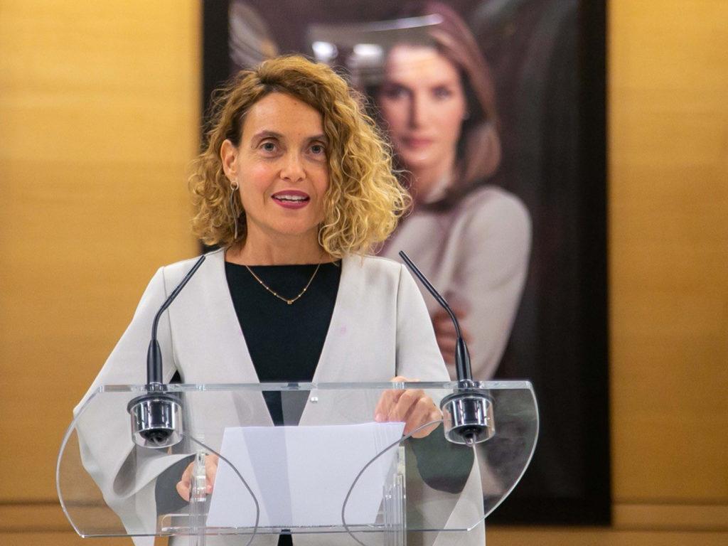Meritxell Batet, presidenta do Congreso, na sinatura do convenio do fútbol feminino / CONGRESO