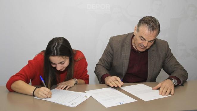 Athenea xunto a Fernando Vidal na súa renovación Athenea / RCD