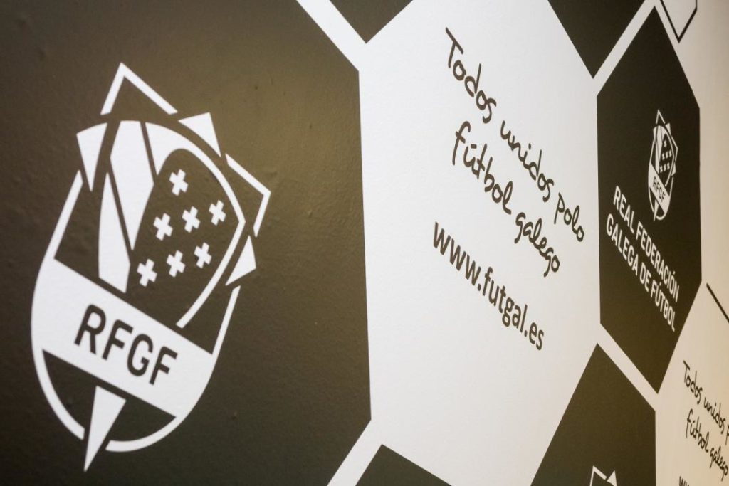 A Real Federación Galega de Fútbol repartiu test para detectar a COVID/ FUTGAL