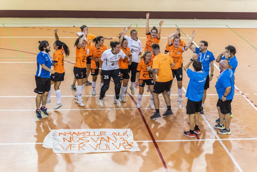 Final do playoff de ascenso a Primeira División de Fútbol Sala Feminina entre o Viaxes Amarelle e o Valdetires / Íñigo Rolán