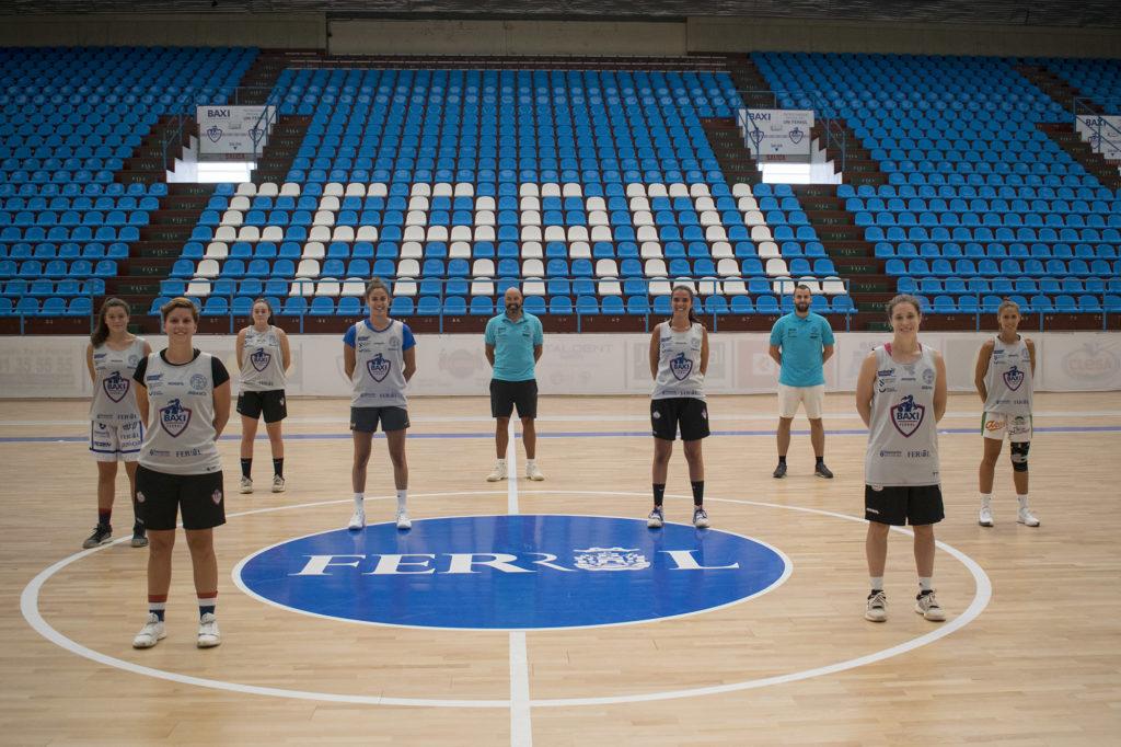 Xogadoras e corpo técnico do Baxi Ferrol no primeiro adestramento da tempada 2020-21 / BAXI FERROL