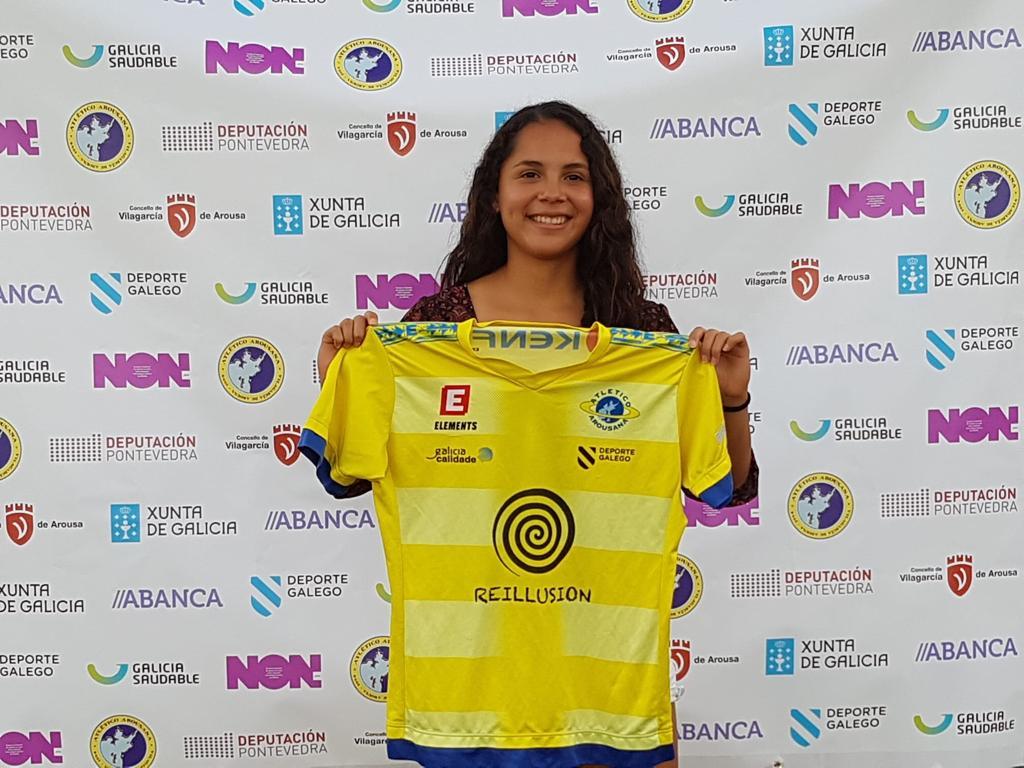Fátima Lobo, xogadora venezolana que se converteu primeira estranxeira do club.