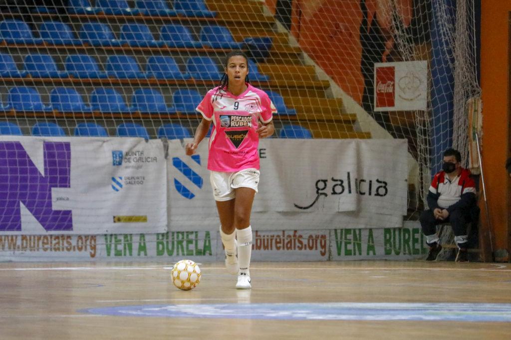 Jenny, futbolista do Pescados Rubén / BURELA