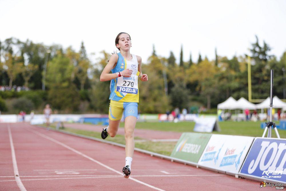 A atleta galega Xela Martínez, campioa españa 3.000m SUB16 / RFEA TW