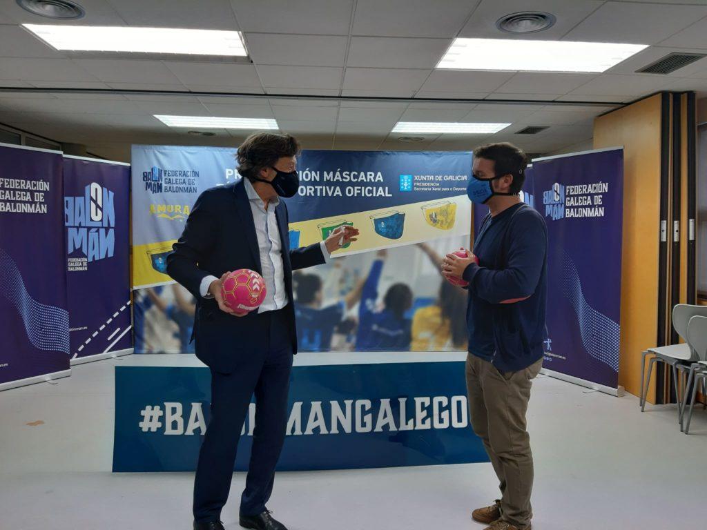 Lete Lasa na presentación da máscara realizada por Amura Sport en colaboración coa federación galega / FGBM
