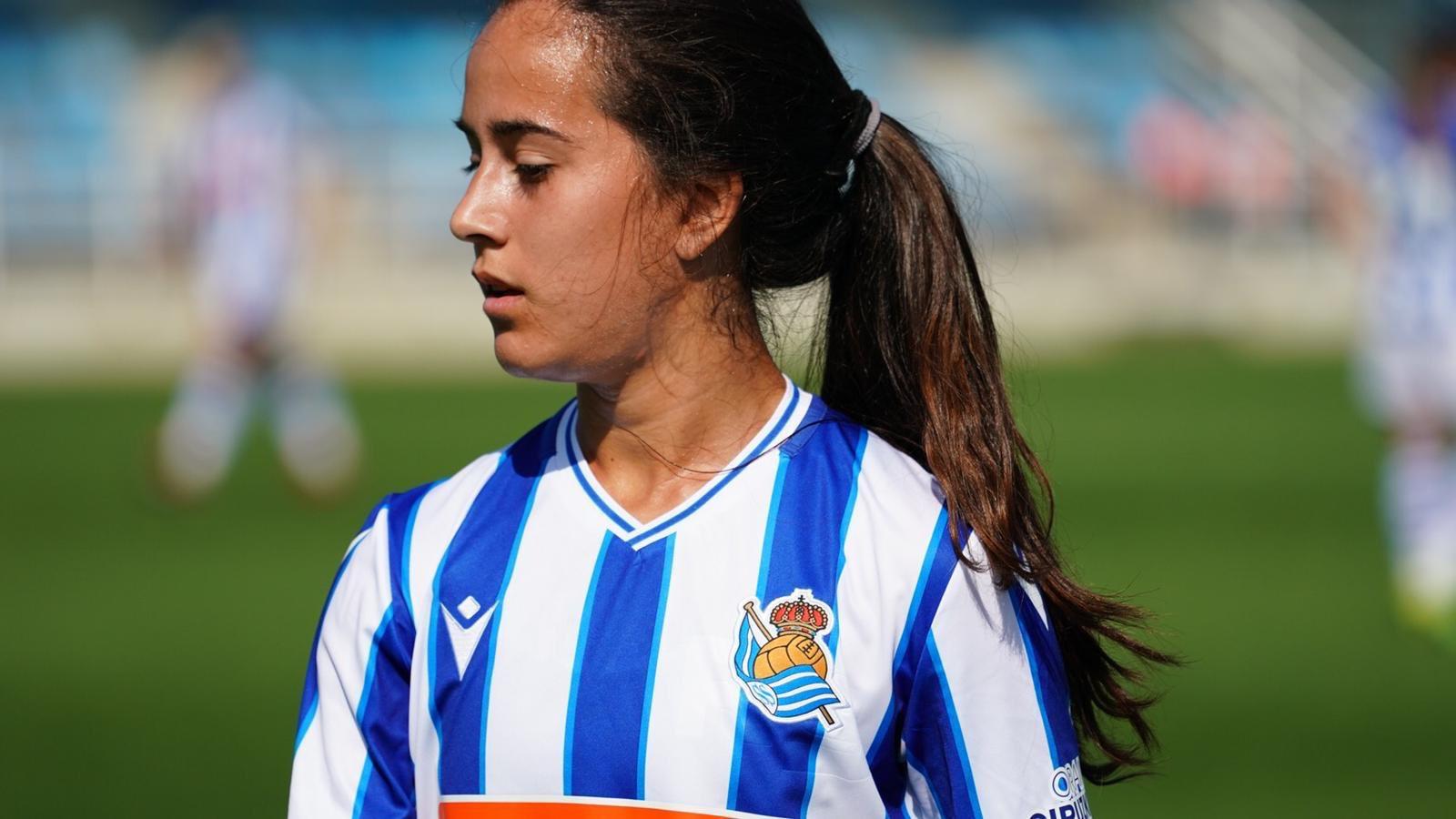Nuria Rábano , xogadora da Real Sociedad - NRNuria Rábano , xogadora da Real Sociedad - NR