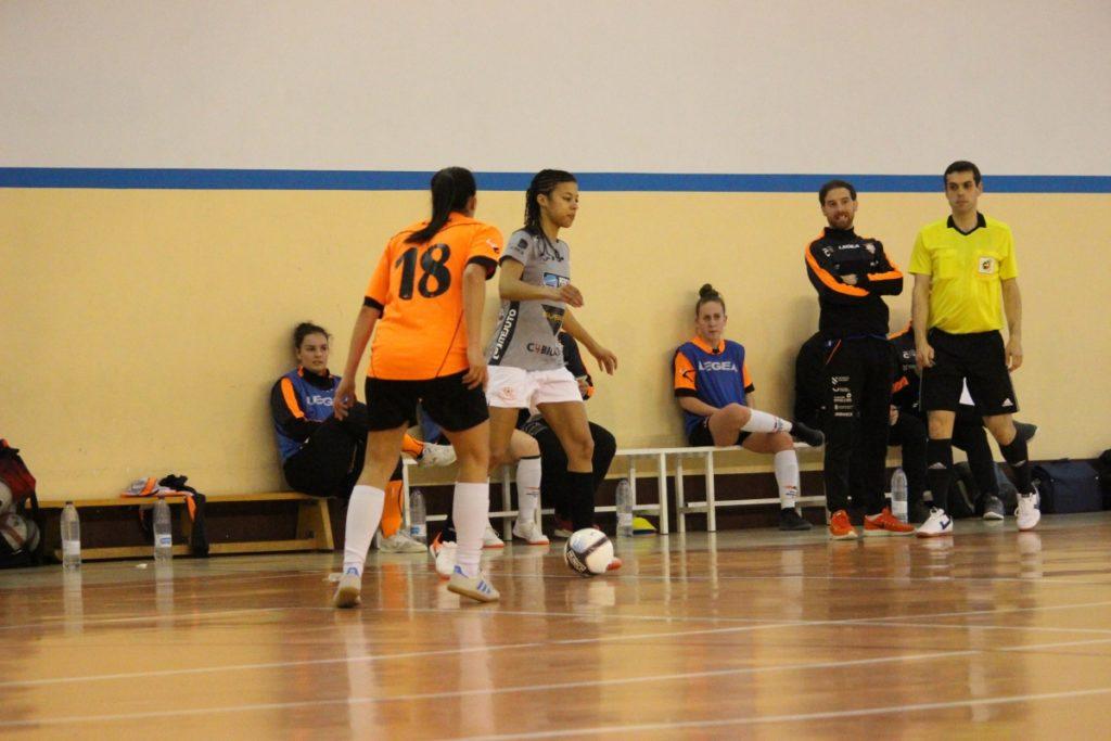 Jenny, do Burela, nun partido contra o Viaxes Amarelle como o desta semifinal / BURELA