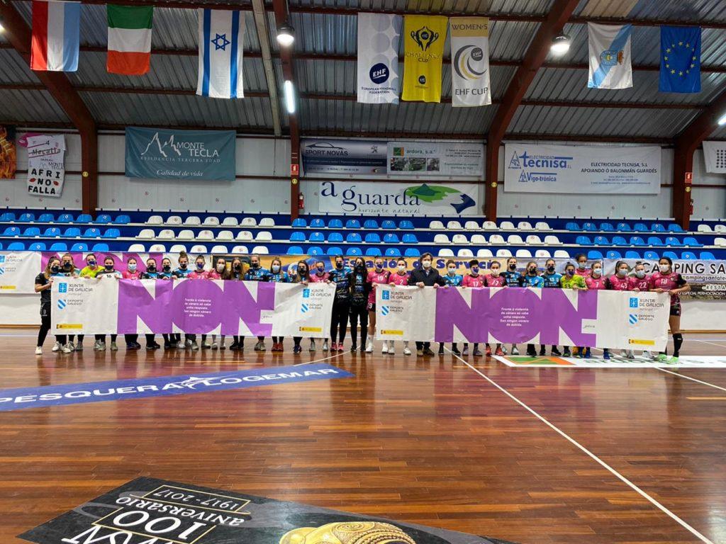 At. Guardés e Aula Alimentos Valladolid din NON á violencia de xénero / ©SPORTCOECO