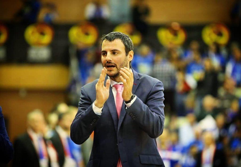 Carlos Cantero, adestrador do Ensino / CARLOS CANTERO IG