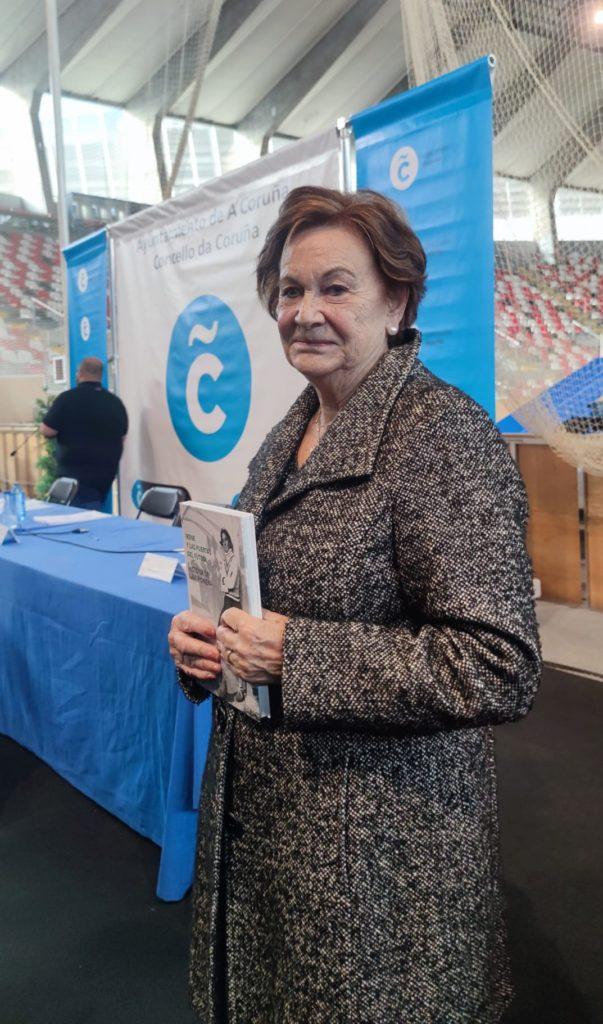 Matilde Regaldíe, sobriña da porteira, na presentación do libro 'Irene y las puertas del fútbol' / SABELA MOSCOSO