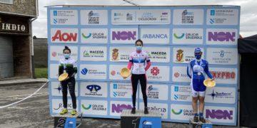 Irene Trabazo no alto do podio de elite feminina no XIII Ciclocrós Castelo de Maceda – Copa Deputación de Ourense / FGC