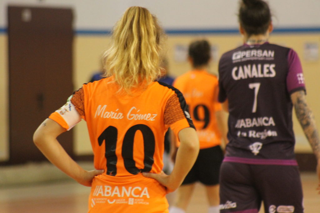 María Gómez, do Viaxes Amarelle FSF e Canales do Ourense Envialia / SABELA MOSCOSO