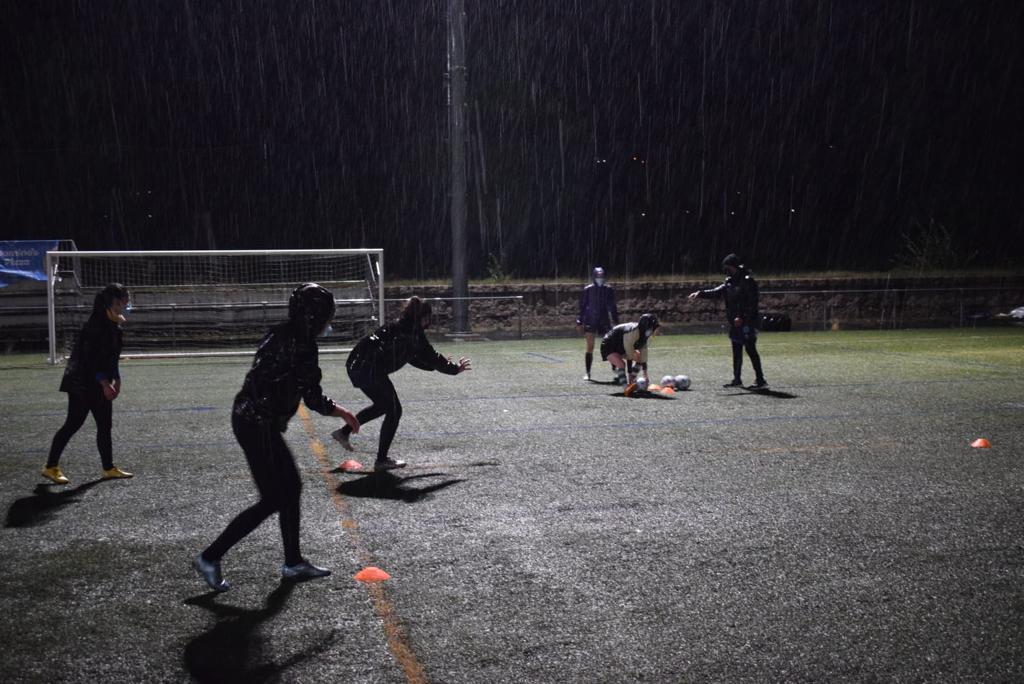 Nin a choiva frea o traballo das xogadoras galegas do Pontevedra Rugby Club que debutarán en División de Honor B / PRC