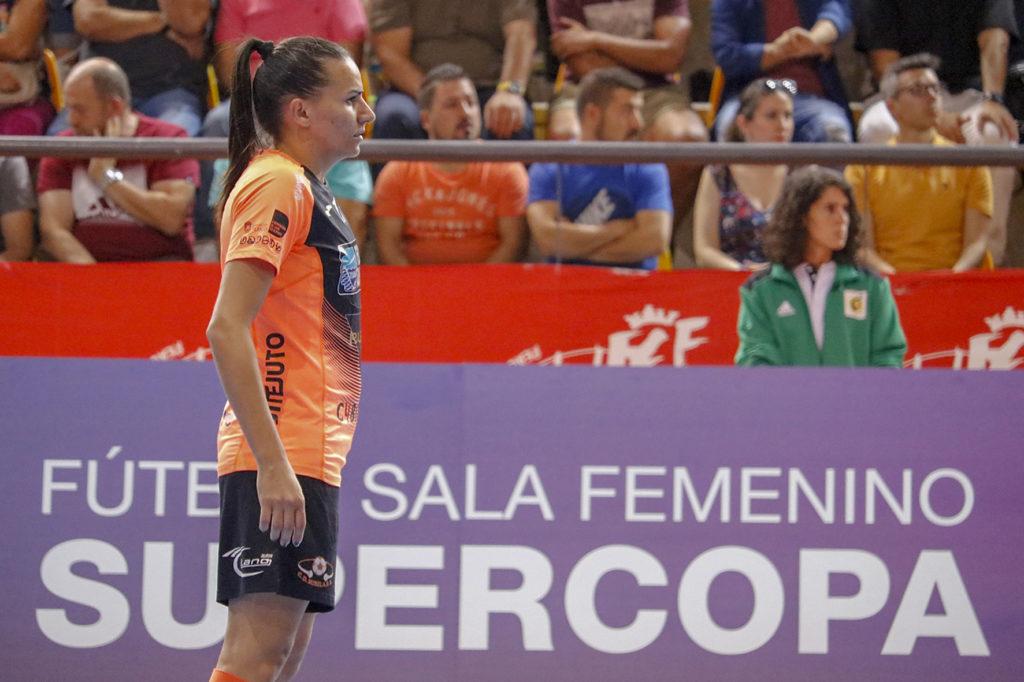 A brasileña Jane, fichada de novo polo Burela, na Supercopa 2019 ante o Futsi / PRBFS