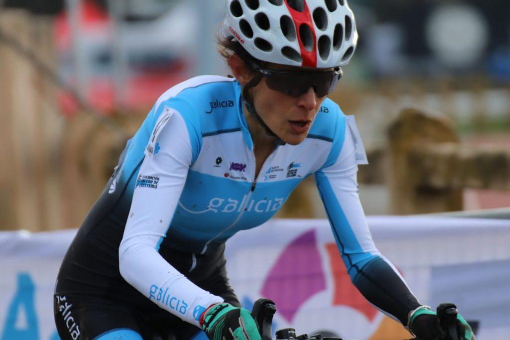 Unha das ciclistas galegas participantes no Campionato de España de ciclocross / RFEC