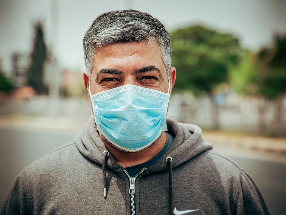 A máscara debe usarse tamén na práctica deportiva ao aire libre