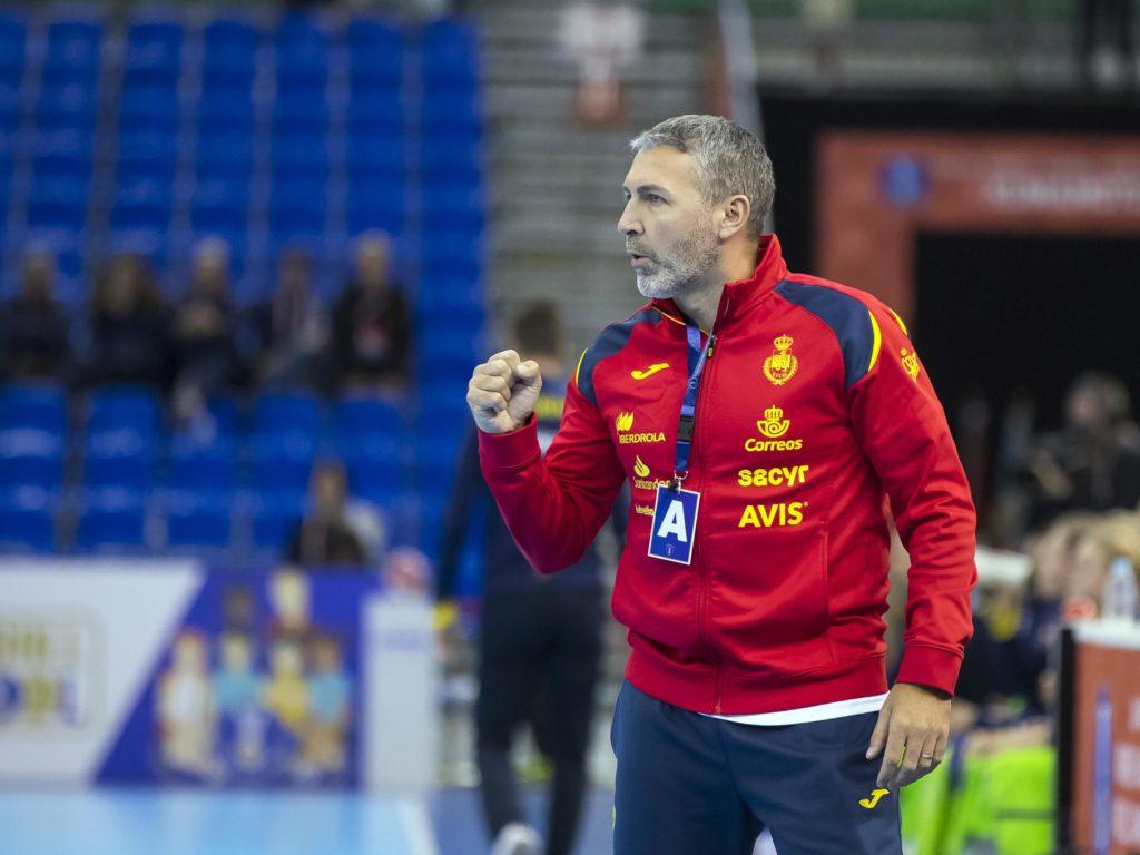 Carlos Viver, seleccionador español de balonmán feminino / RFEBM