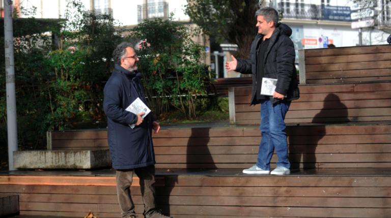 Os autores do libro 'Irene y las puertas del fútbol', Rubén Ventureira e J.L. Cudeiro conversando / IRENEPORTERA.EU
