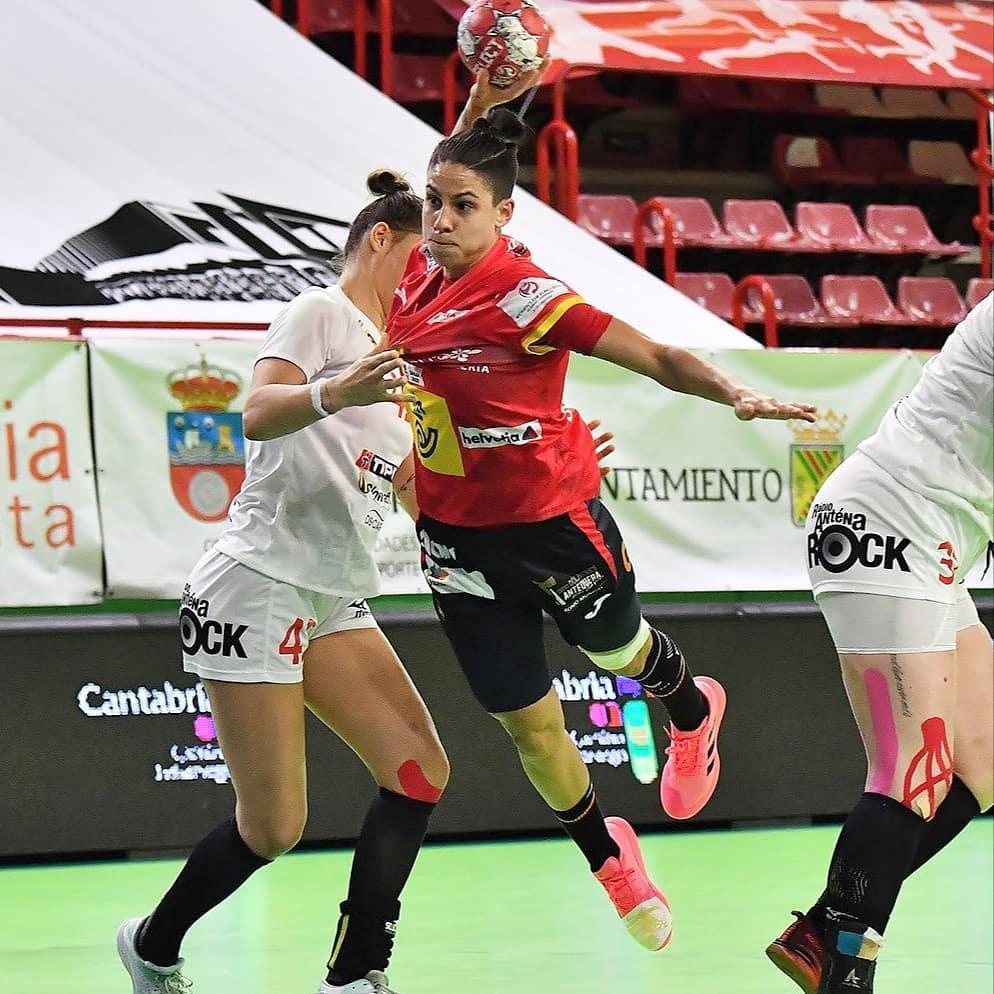 Alicia Fernández coas Guerreras da Selección Española / RFEB