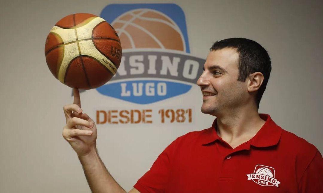 Carlos Cantero, adestrador do Ensino / ENSINO