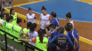 Morenín dando instruccións ás súas xogadoras do Envialia ante o Burela / CONCELLO DE OURENSE