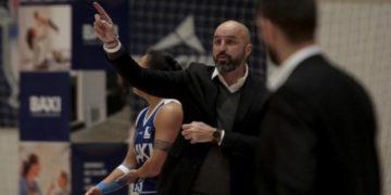 O adestrador do BAXI Ferrol, Lino López / CEDIDA