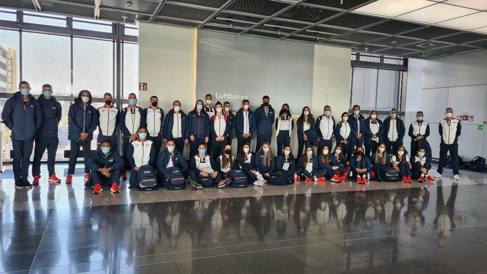 Delegación do atletismo español rumbo ao Europeo de pista cuberta de Torun coas galegas Belén Toimil e Ana Peleteiro / RFEA