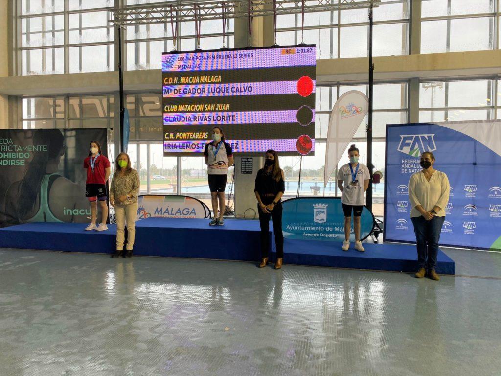 Iria Lemos no Campionato de España infantil de inverno de natación / CN PONTEAREAS