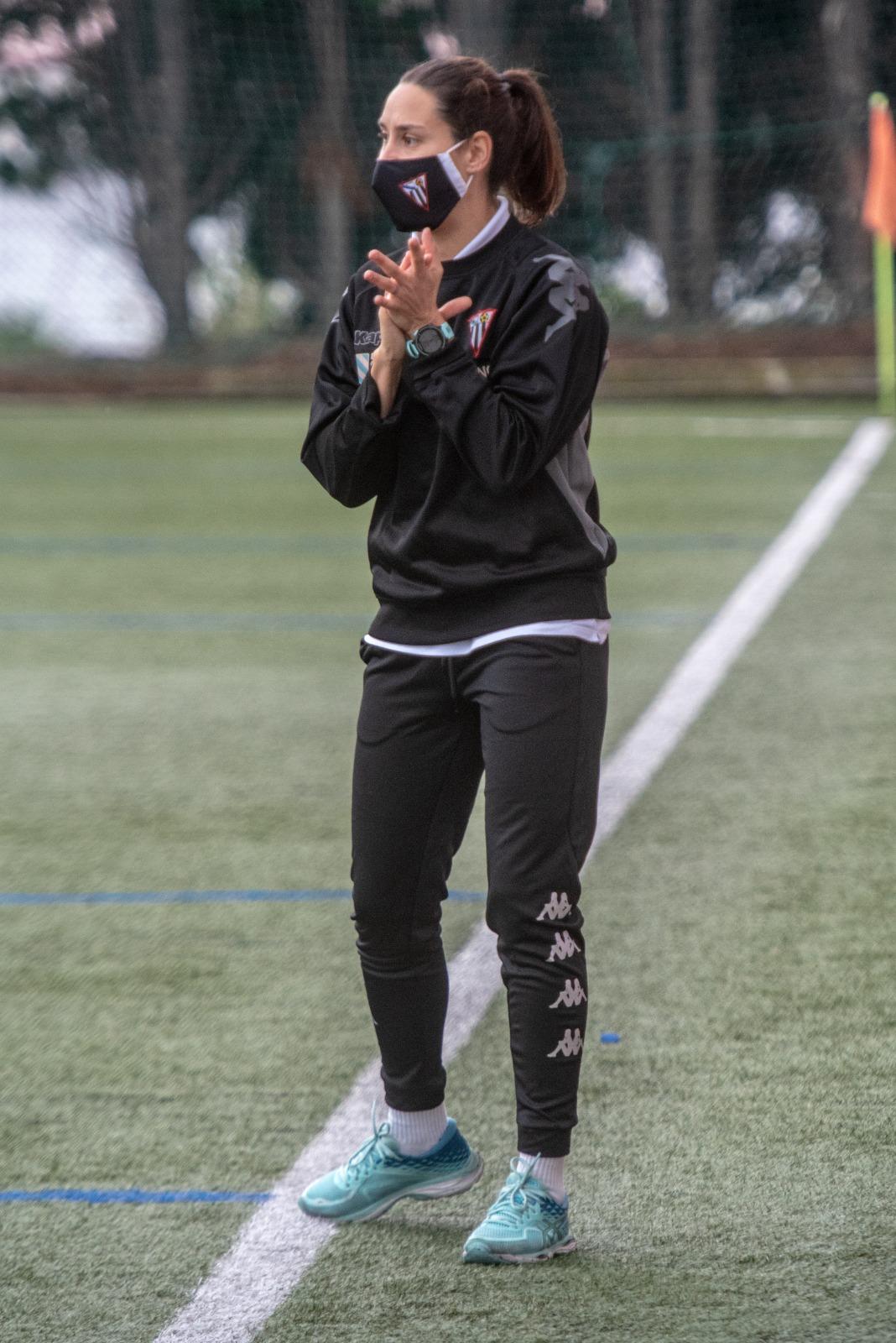 Cris Oreiro, adestradora do Victoria CF / CEDIDA