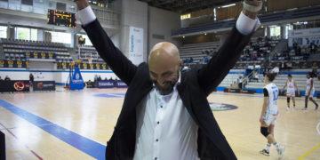 Lino López, adestrador do BAXI Ferrol / BAXI FERROL TW