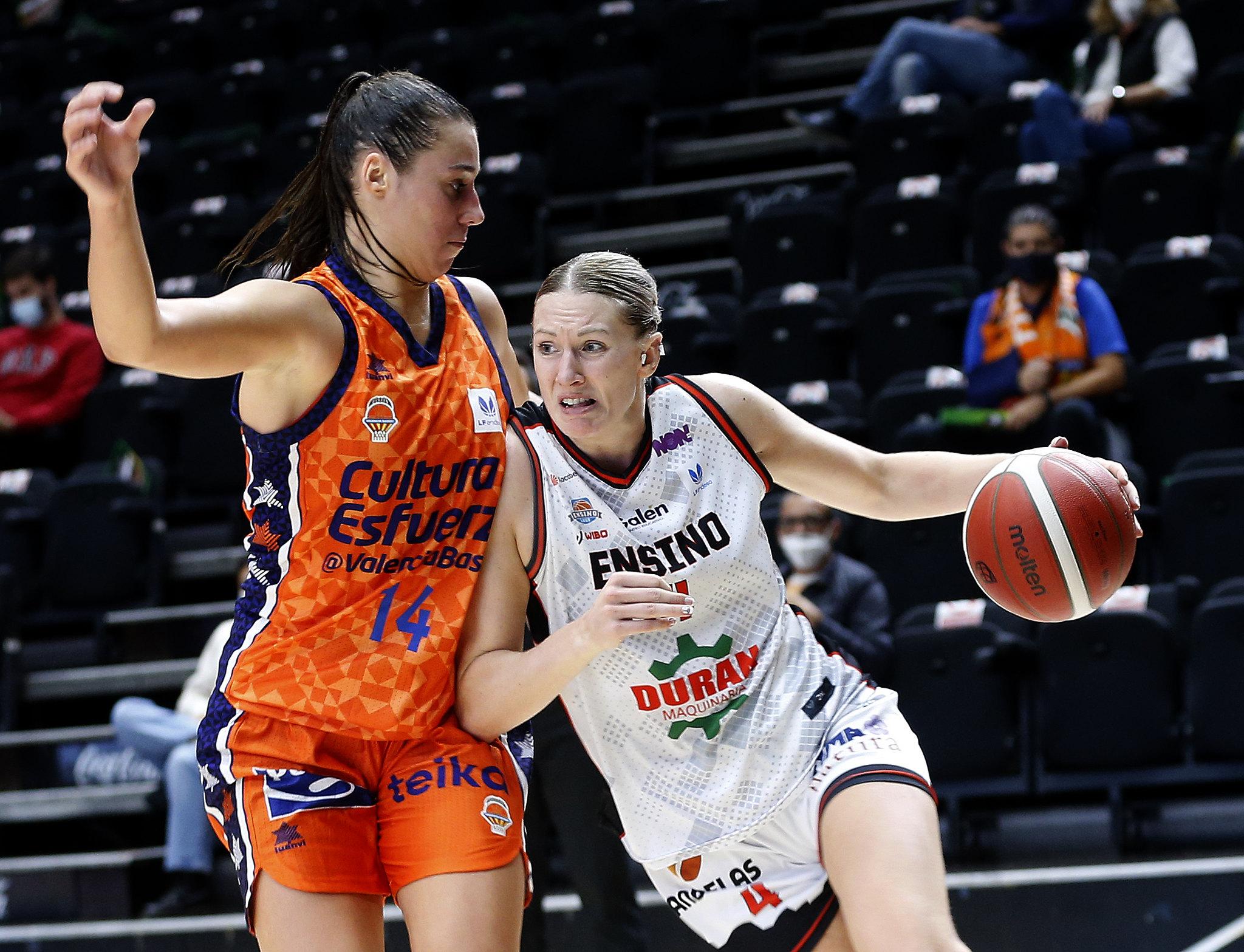 Raquel Carrera no Valencia Basket vs Ensino / FEB