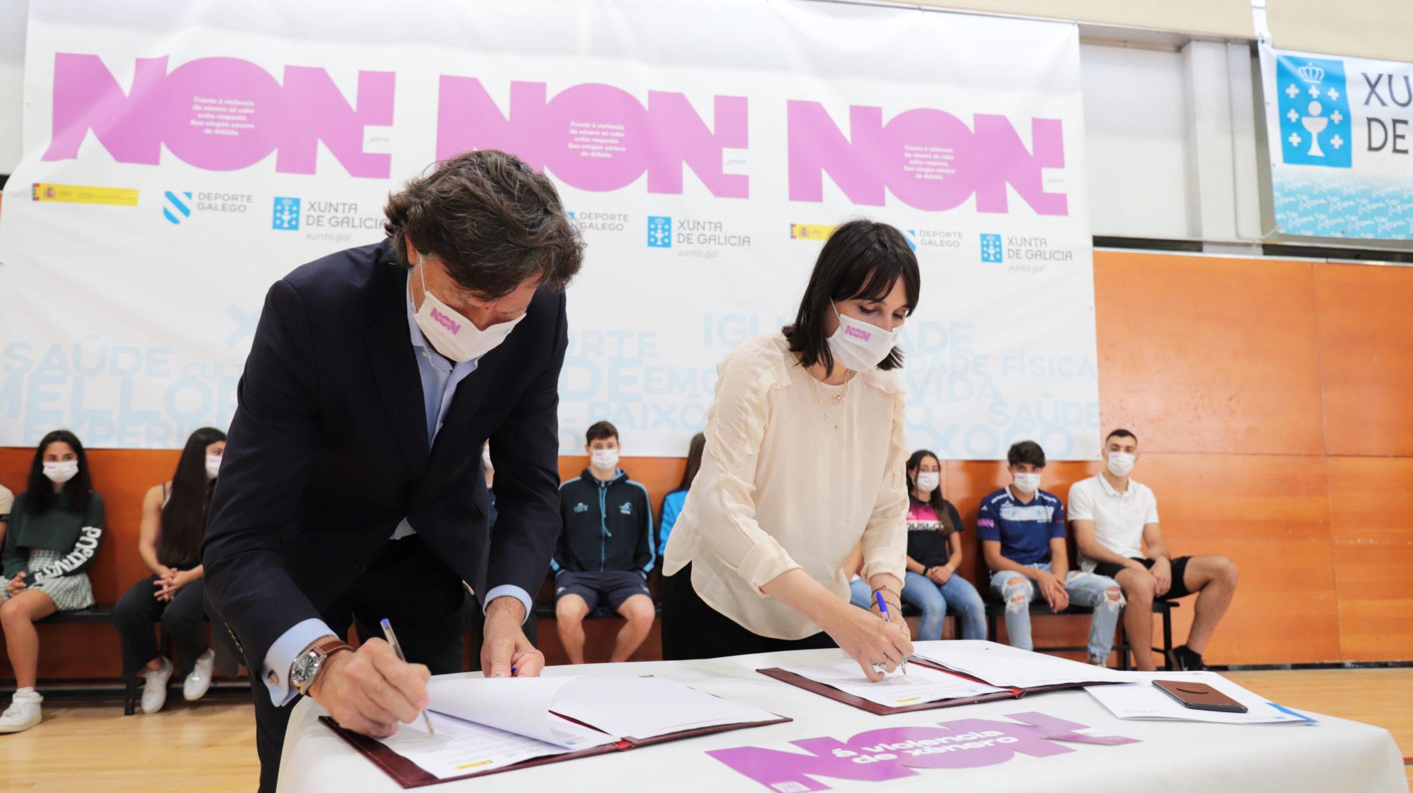 A conselleira de Emprego e Igualdade, María Jesús Lorenzana, e o secretario xeral para o Deporte, José Ramón Lete, presentaron en Pontevedra o acordo de colaboración que permitirá desenvolver Reto Galicia-Toquio con Igualdade / XUNTA