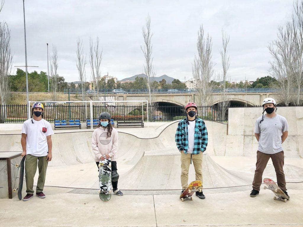 Julia Benedetti, Jaime Mateu e Danny León ás ordes do seleccionador nacional de skate park, Alain Goikoetxea / RFEP