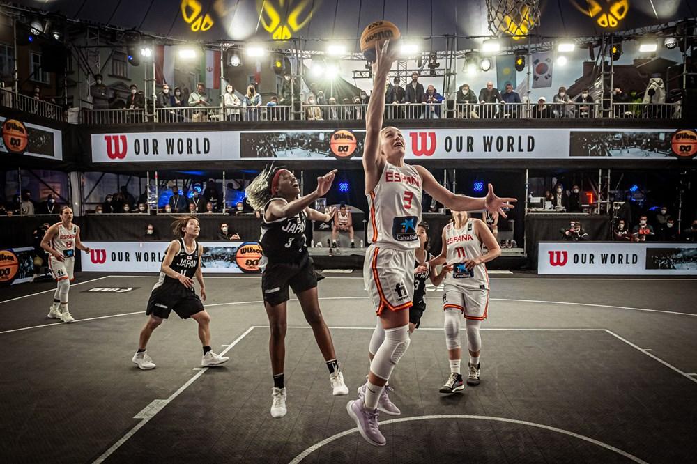 Marta Canella ante Xapón na repesca do Preolímpico do 3x3 con España / FIBA