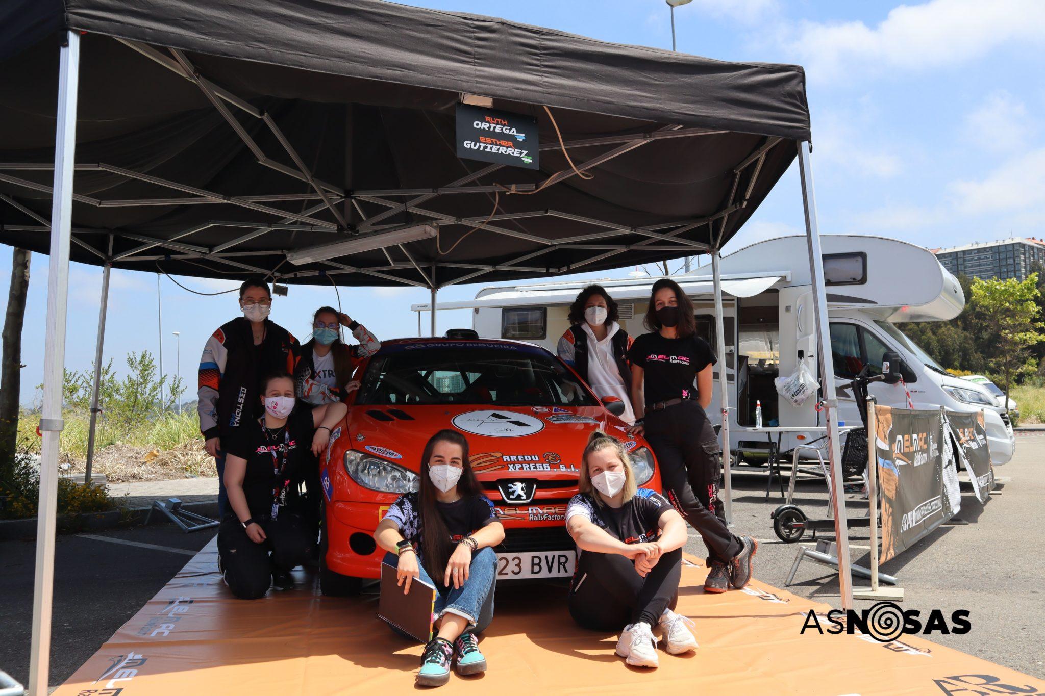O equipo do Melmac Rally Factory antes do 25 Rallye A Coruña / CARMEN G. MARIÑAS