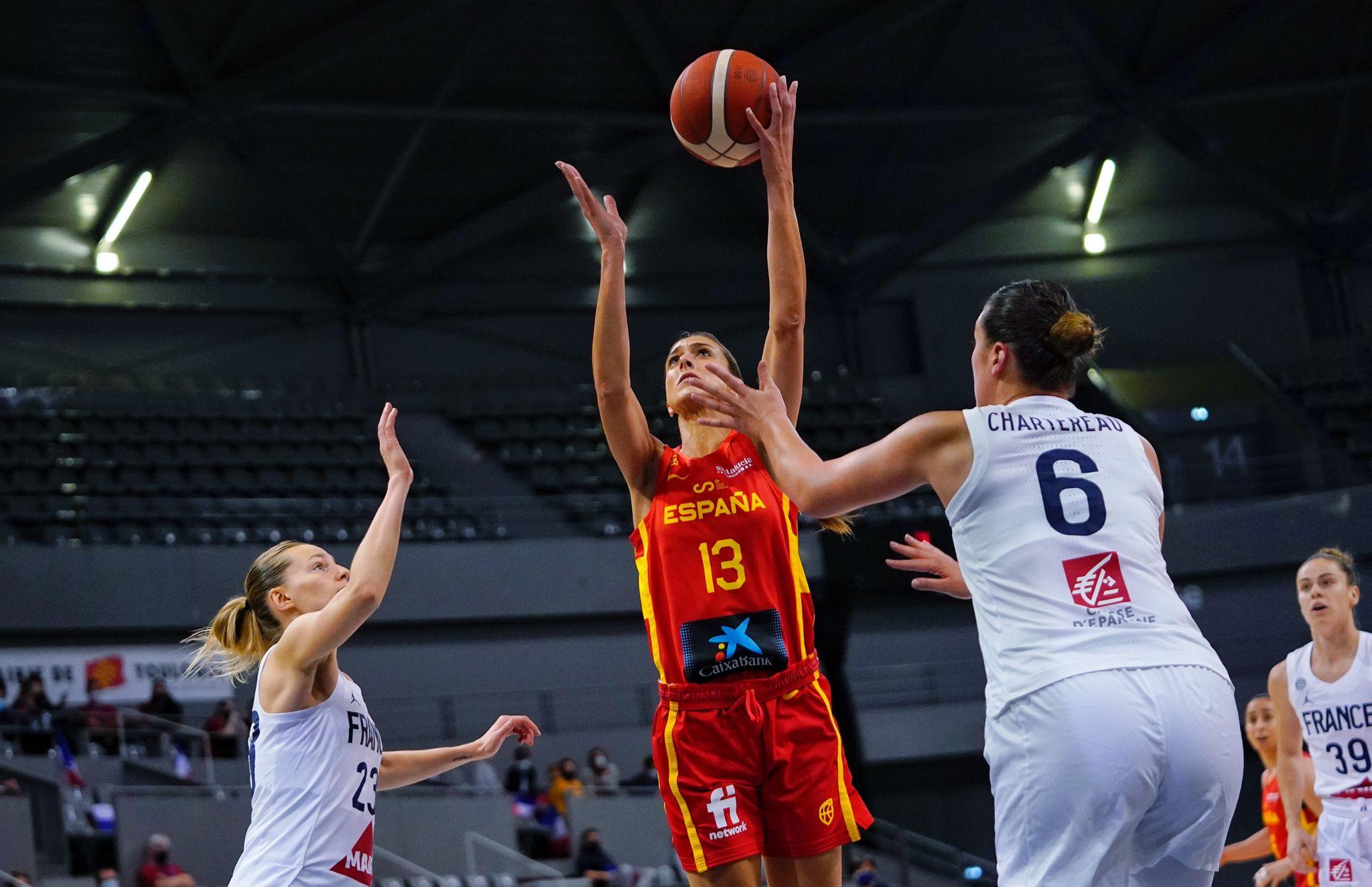 Tamara Abalde no España vs Francia previo ao Eurobasket / FEB
