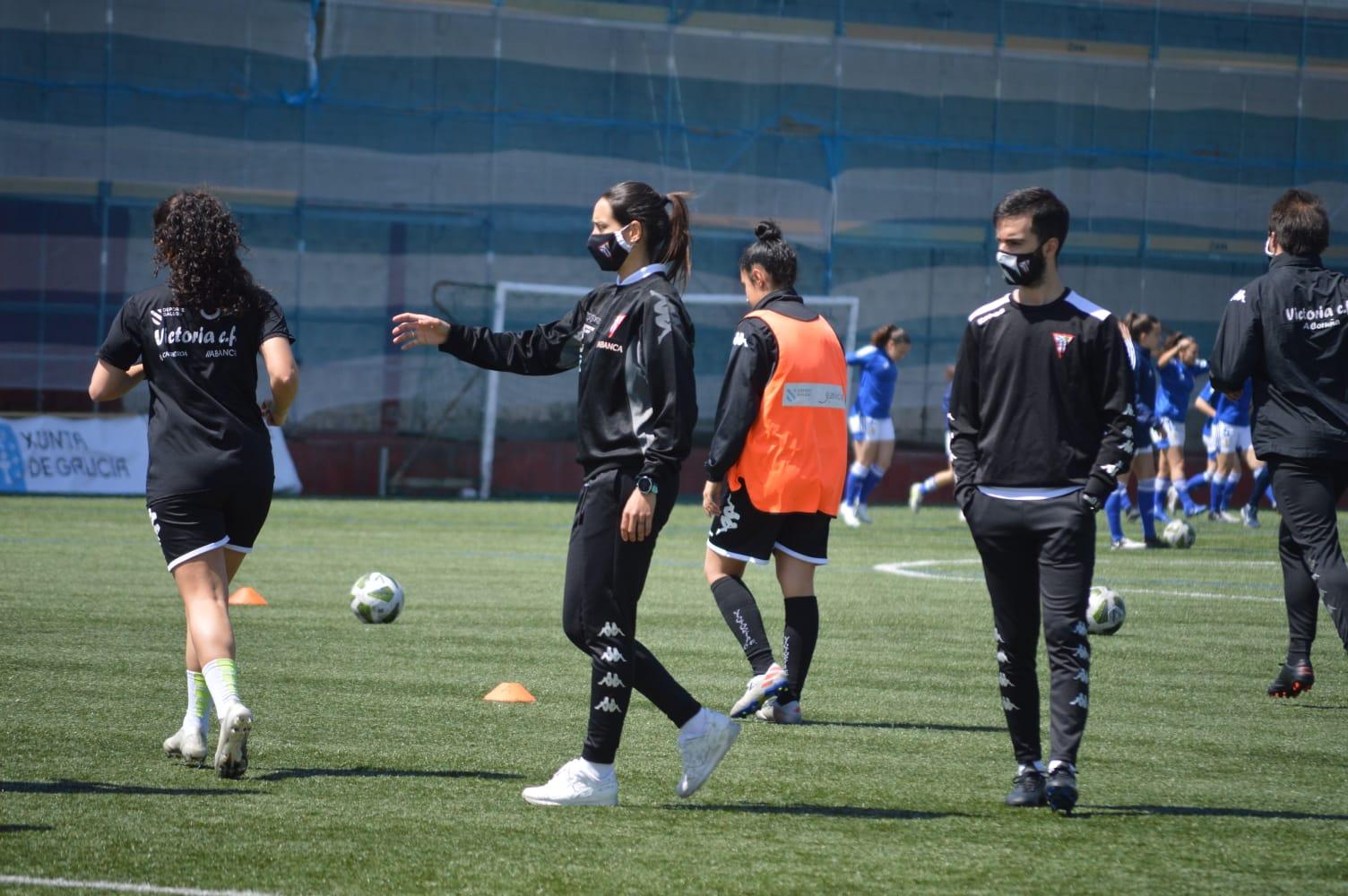 Cris Oreiro nun adestramento do Victoria / CEDIDA