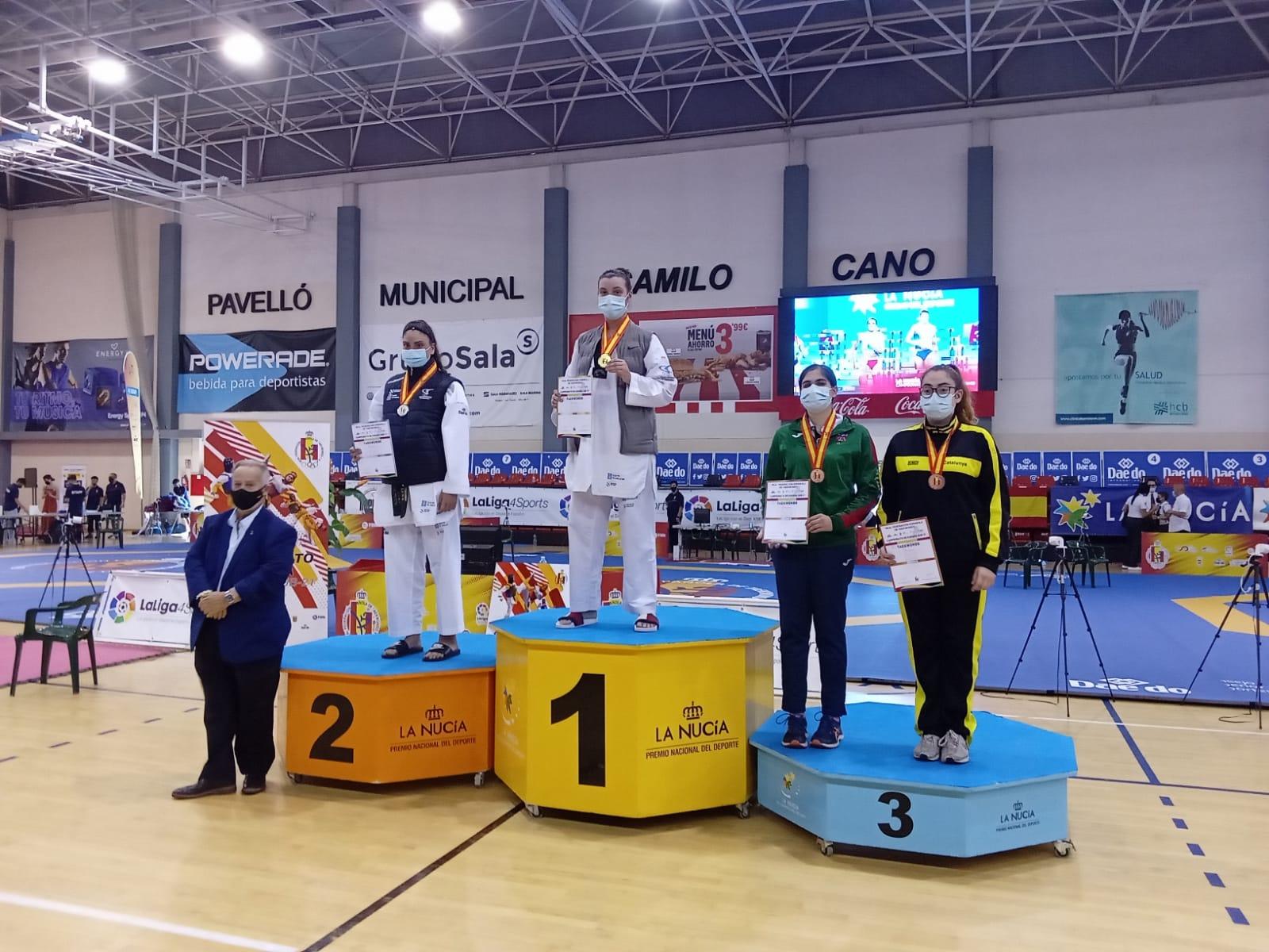 Podio +73 kg do Cpto de España sub21 con Tania Castiñeira e Desiree Divadulla / FG TAEKWONDO