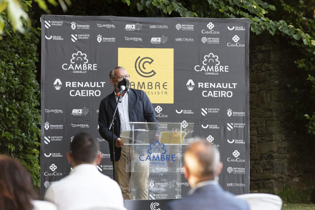 O alcalde de Cambre, Óscar García Patiño, na presentación do Club Ciclista Cambre Caeiro / CONCELLO DE CAMBRE